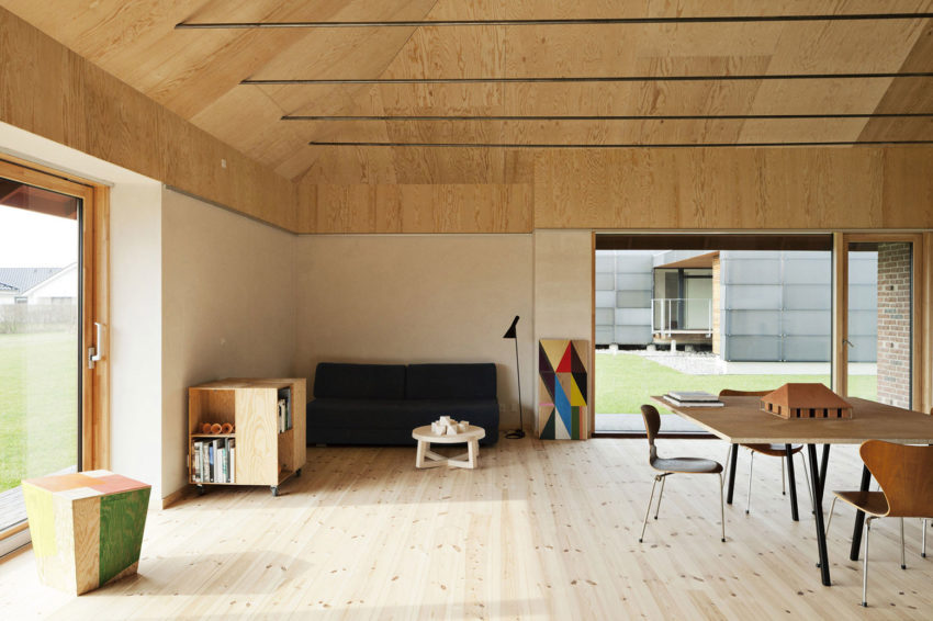 Brick House by LETH & GORI (11)