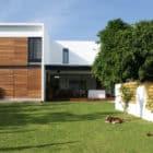 Casa ATT by Dionne Arquitectos (2)