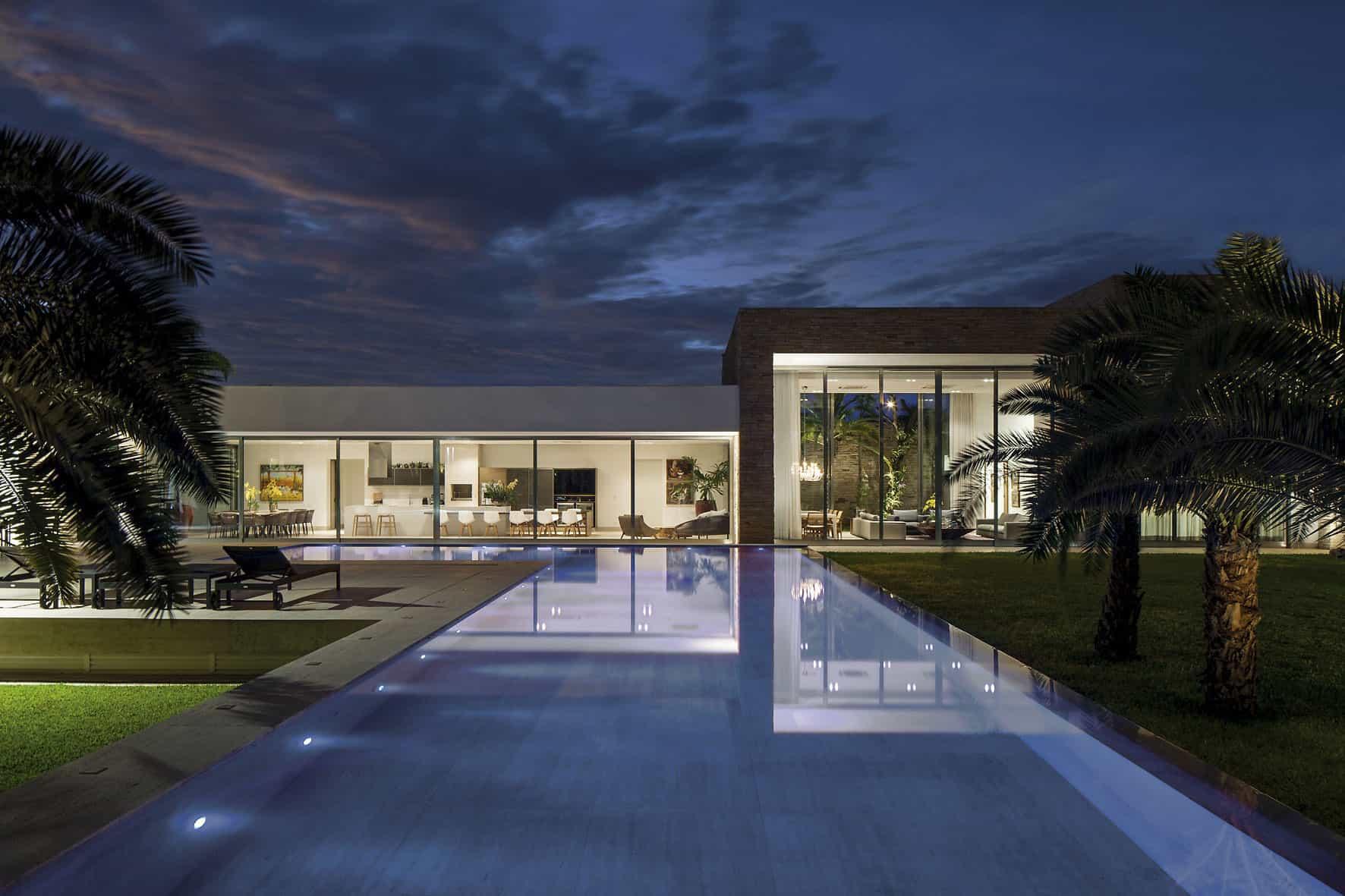Casa TB by Aguirre Arquitetura