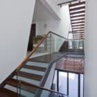 Folding Wall House by NHA DAN ARCHITECT (8)