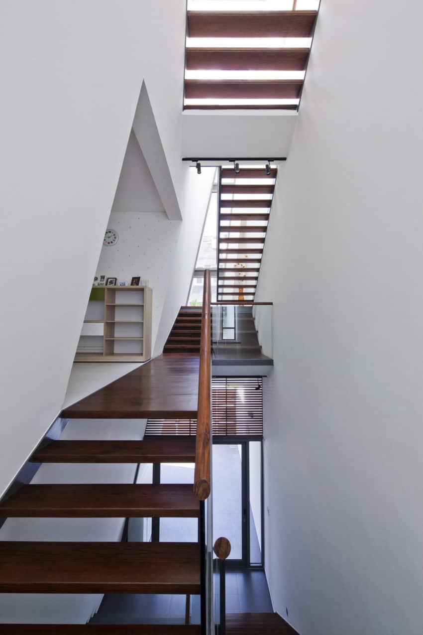 Folding Wall House by NHA DAN ARCHITECT (9)