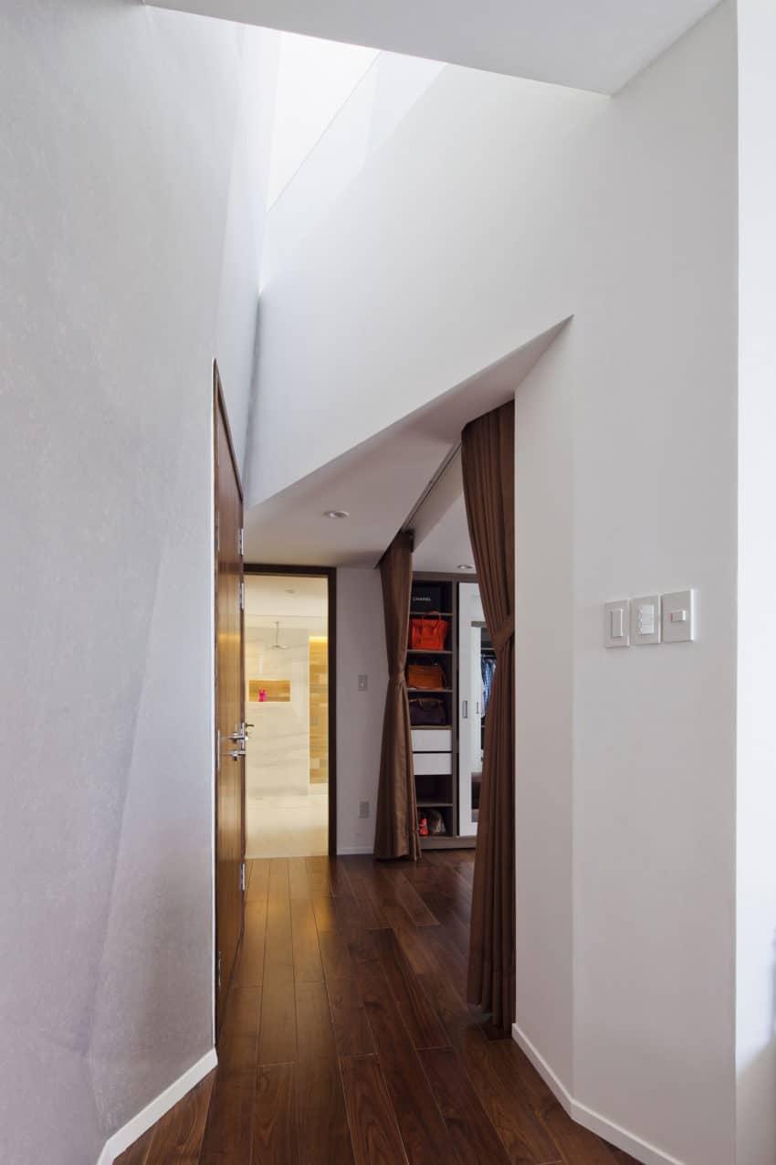 Folding Wall House by NHA DAN ARCHITECT (16)