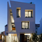 Folding Wall House by NHA DAN ARCHITECT (20)