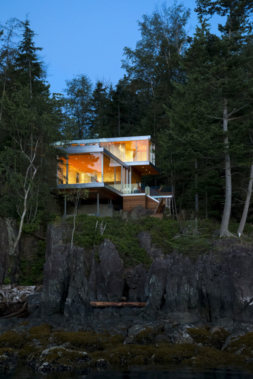 Gambier Island House by Mcfarlane Biggar Architects (11)