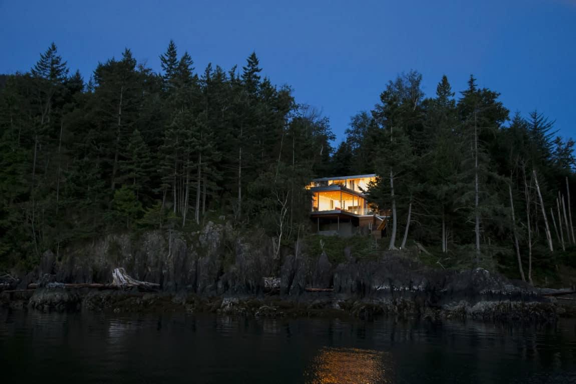 Gambier Island House by Mcfarlane Biggar Architects (12)