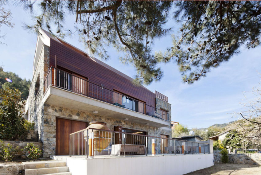 House with a Wooden Skin by VARDAstudio (2)