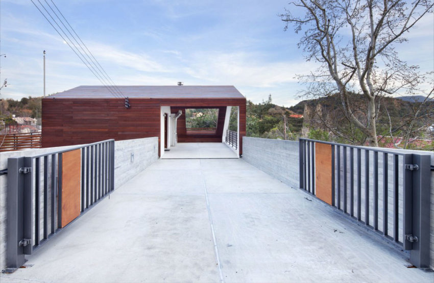 House with a Wooden Skin by VARDAstudio (5)