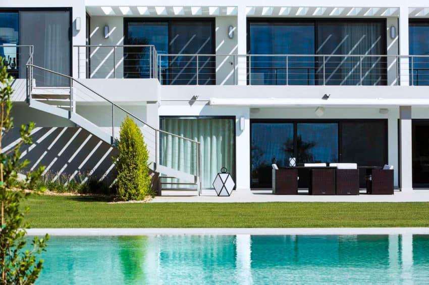 Modern Algarve Villa by Staffan Tollgard Design Group (2)