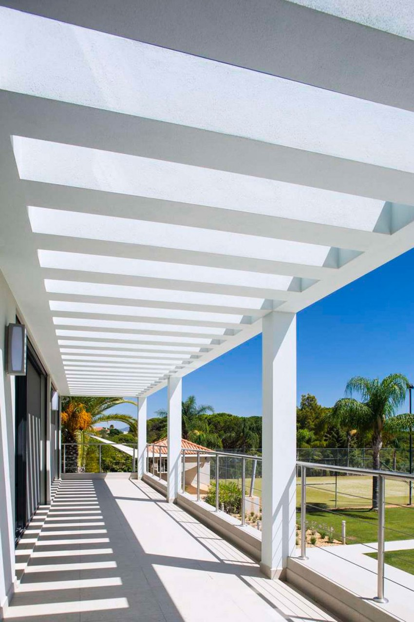 Modern Algarve Villa by Staffan Tollgard Design Group (4)