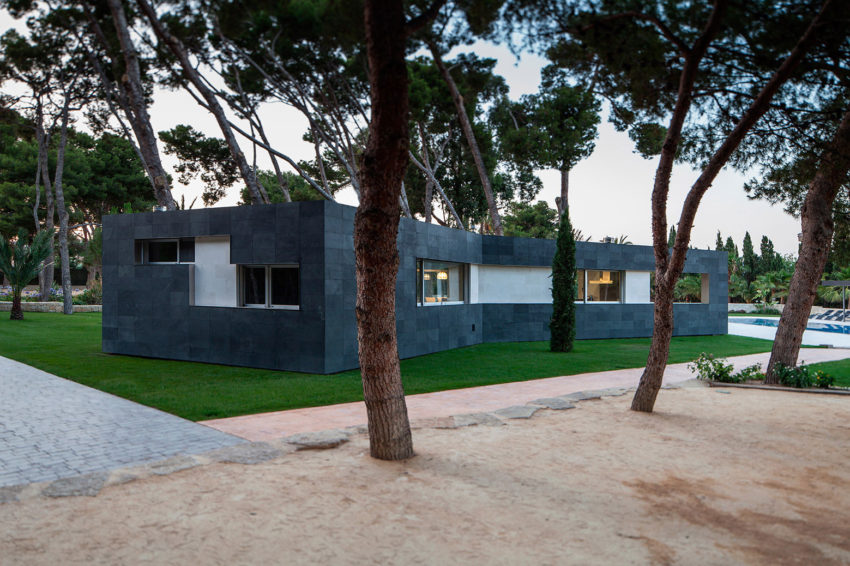 Pine Forest Pavilion by e2b arquitectos (3)