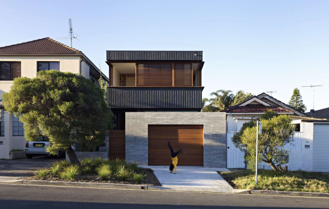 Plywood House II by Andrew Burges Architects (1)