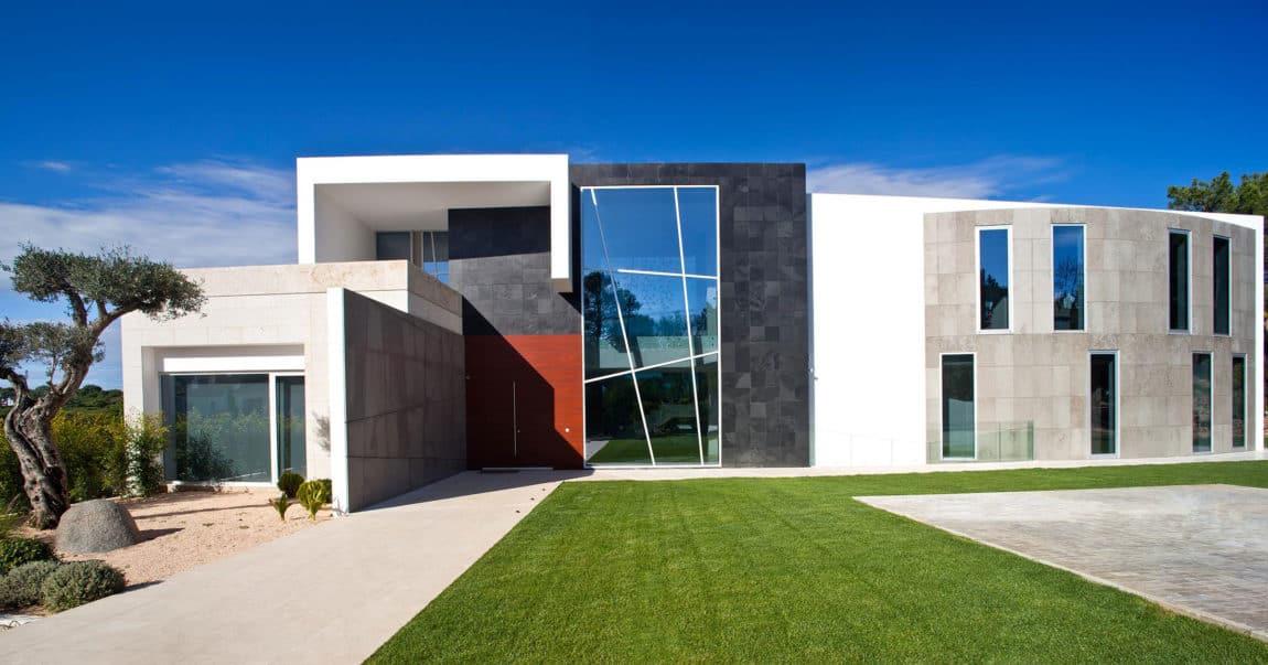 Quinta Villa by Staffan Tollgard Design Group (1)