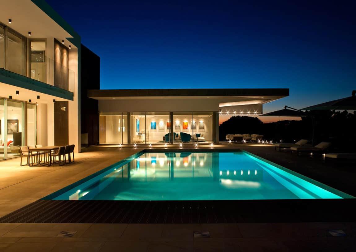 Quinta Villa by Staffan Tollgard Design Group (18)