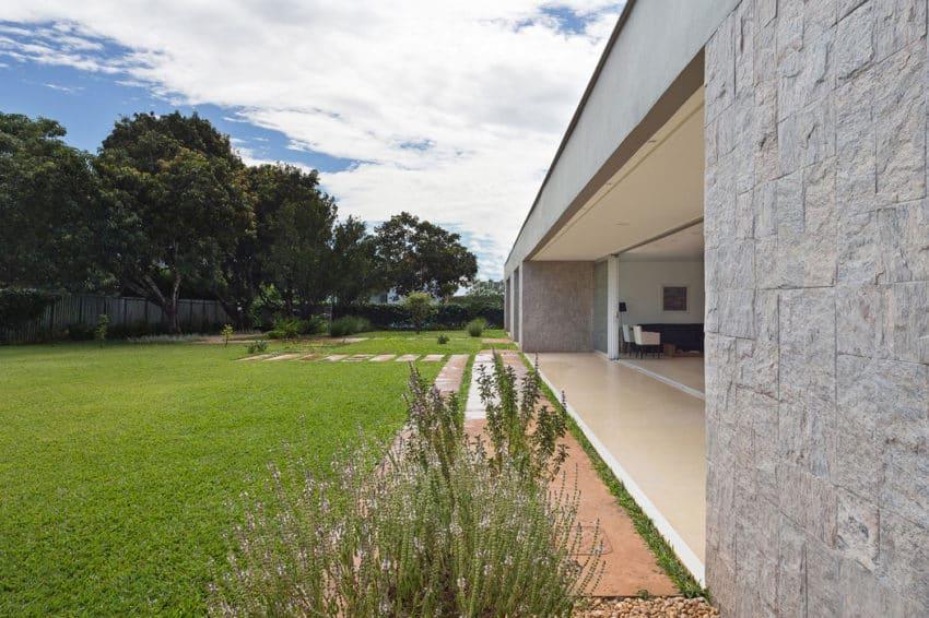 Residencia LK by Estúdio MRGB (3)