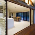 Carina Heights Renovation by Dion Seminara Architecture (4)