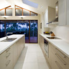 Carina Heights Renovation by Dion Seminara Architecture (7)