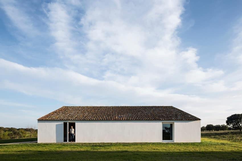 Casa No Tempo by AIRES MATEUS & ASSOCIADOS (3)