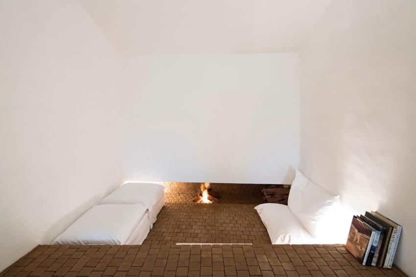 Casa No Tempo by AIRES MATEUS & ASSOCIADOS (9)
