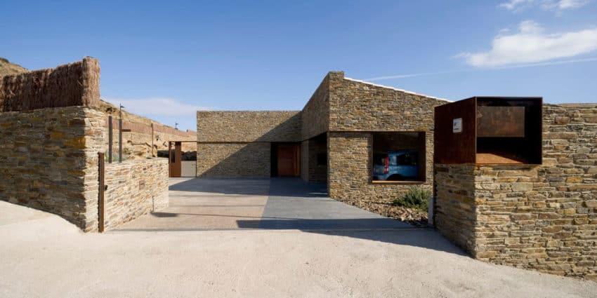 Casa VM by MORA-SANVISENS Arquitectes Associats (3)