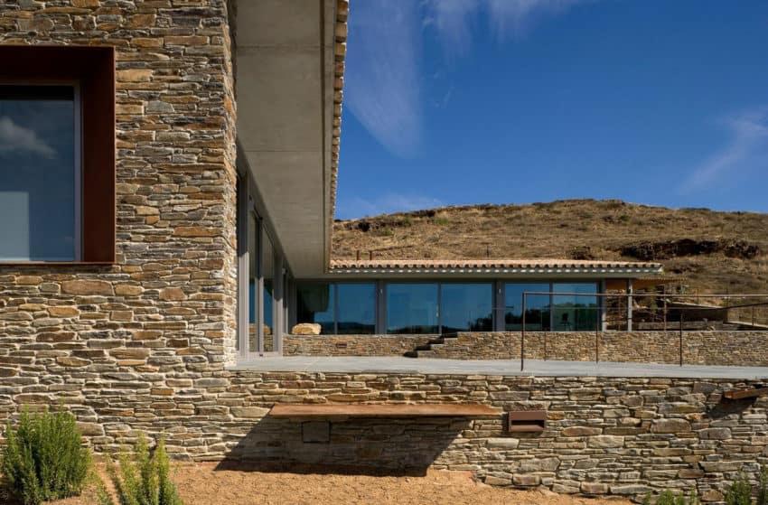Casa VM by MORA-SANVISENS Arquitectes Associats (5)