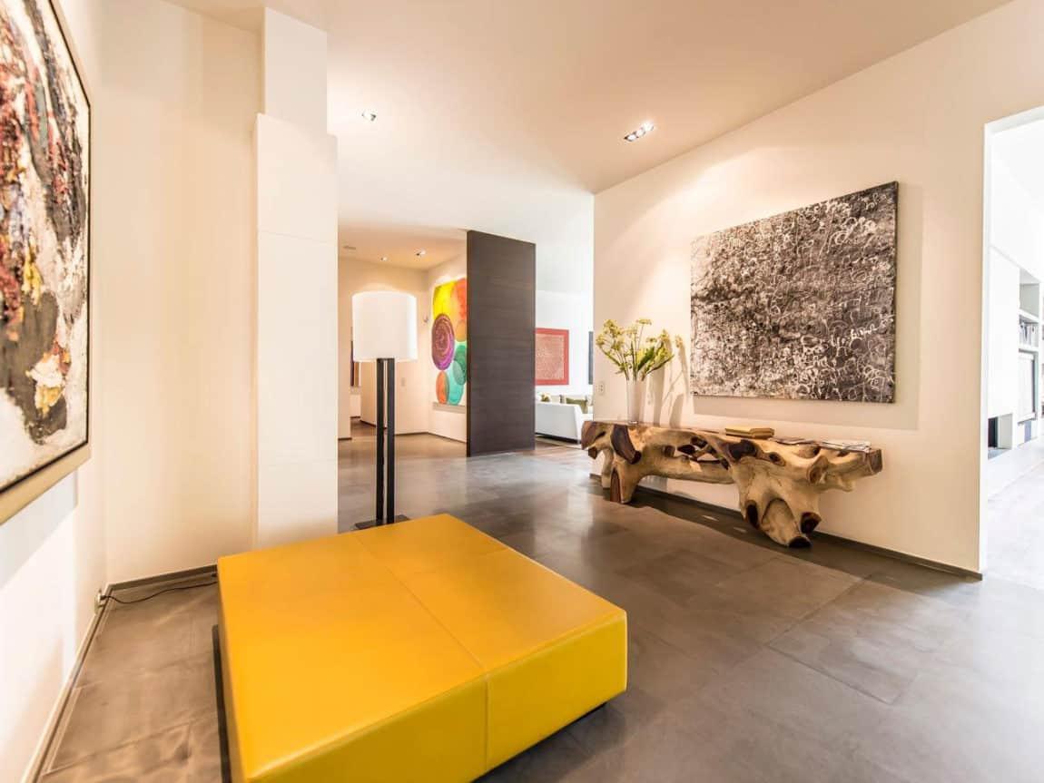 Elegant Apartment (3)