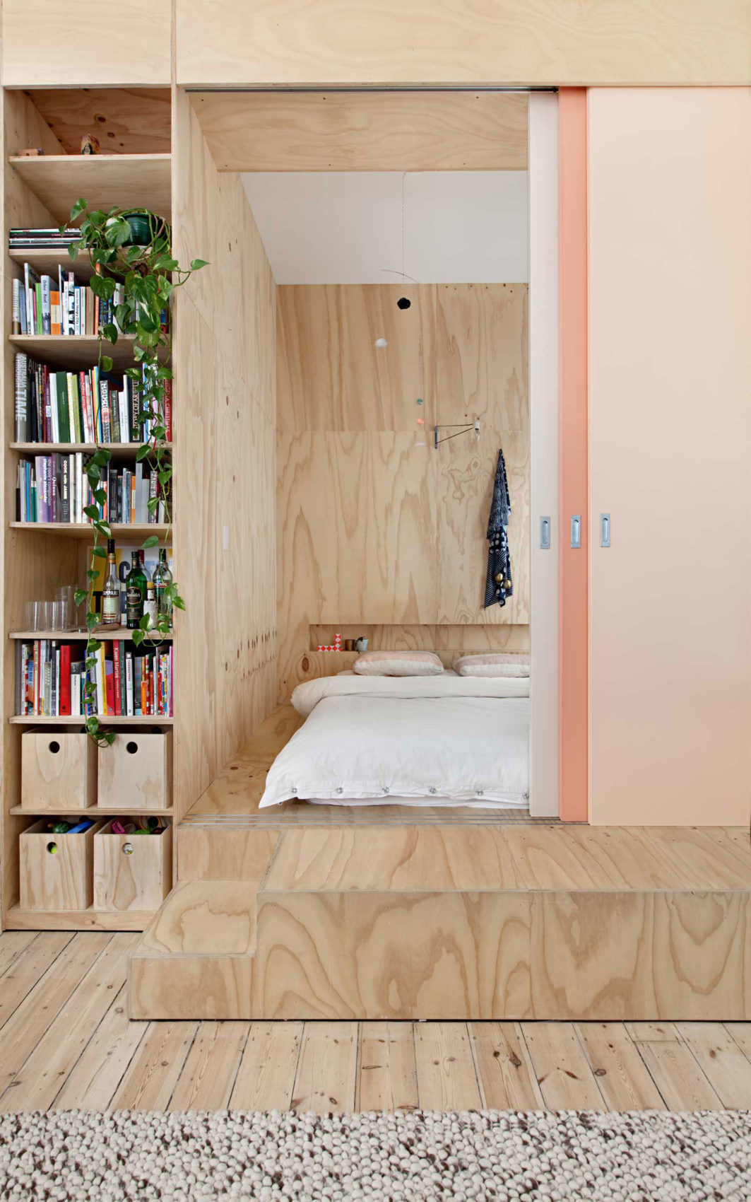 Flinders Lane Apartment by Clare Cousins Architects (11)