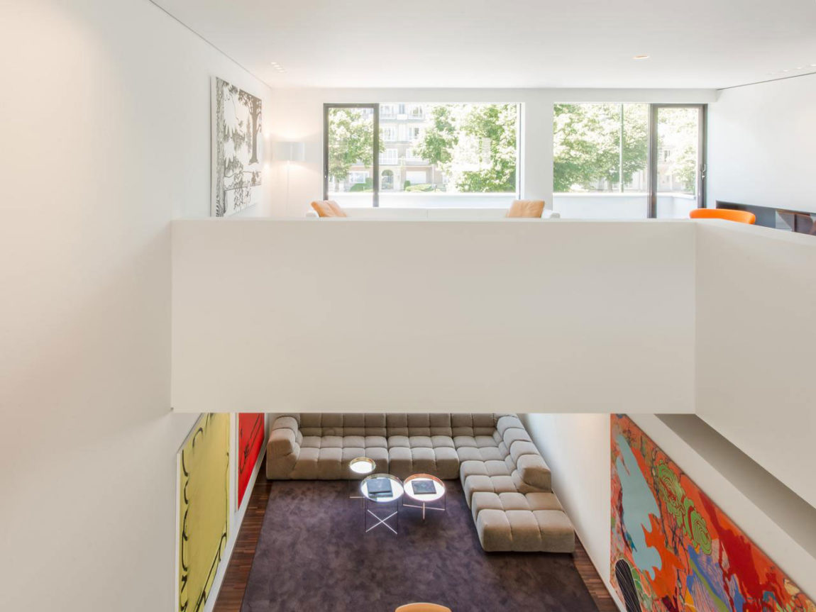 House in Bauhaus Style (3)