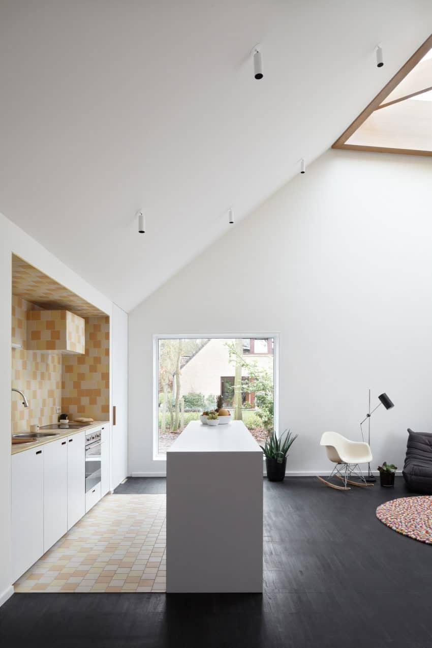 Huis voor Patrick by LOW Architecten (6)