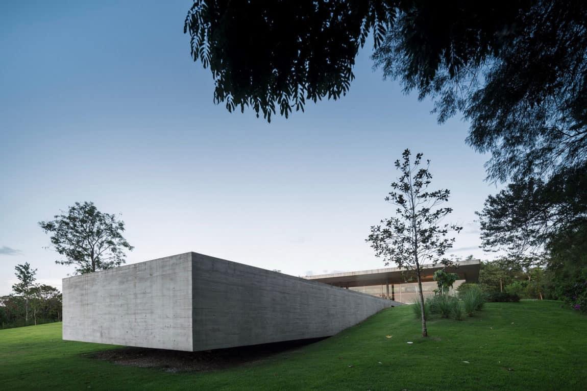 Redux House by Studio mk27 (14)