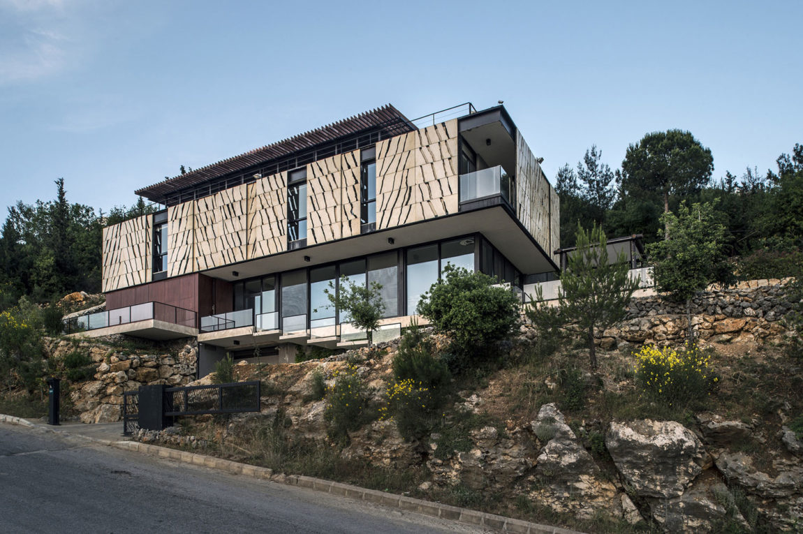 Tahan Villa by BLANKPAGE Architects (4)