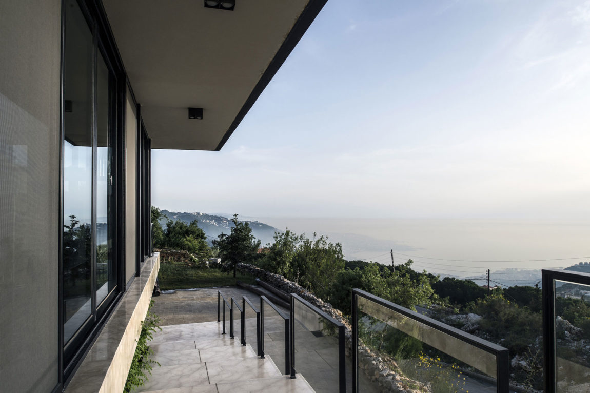 Tahan Villa by BLANKPAGE Architects (14)