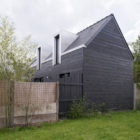 The House Between by Clément Bacle Architect (5)