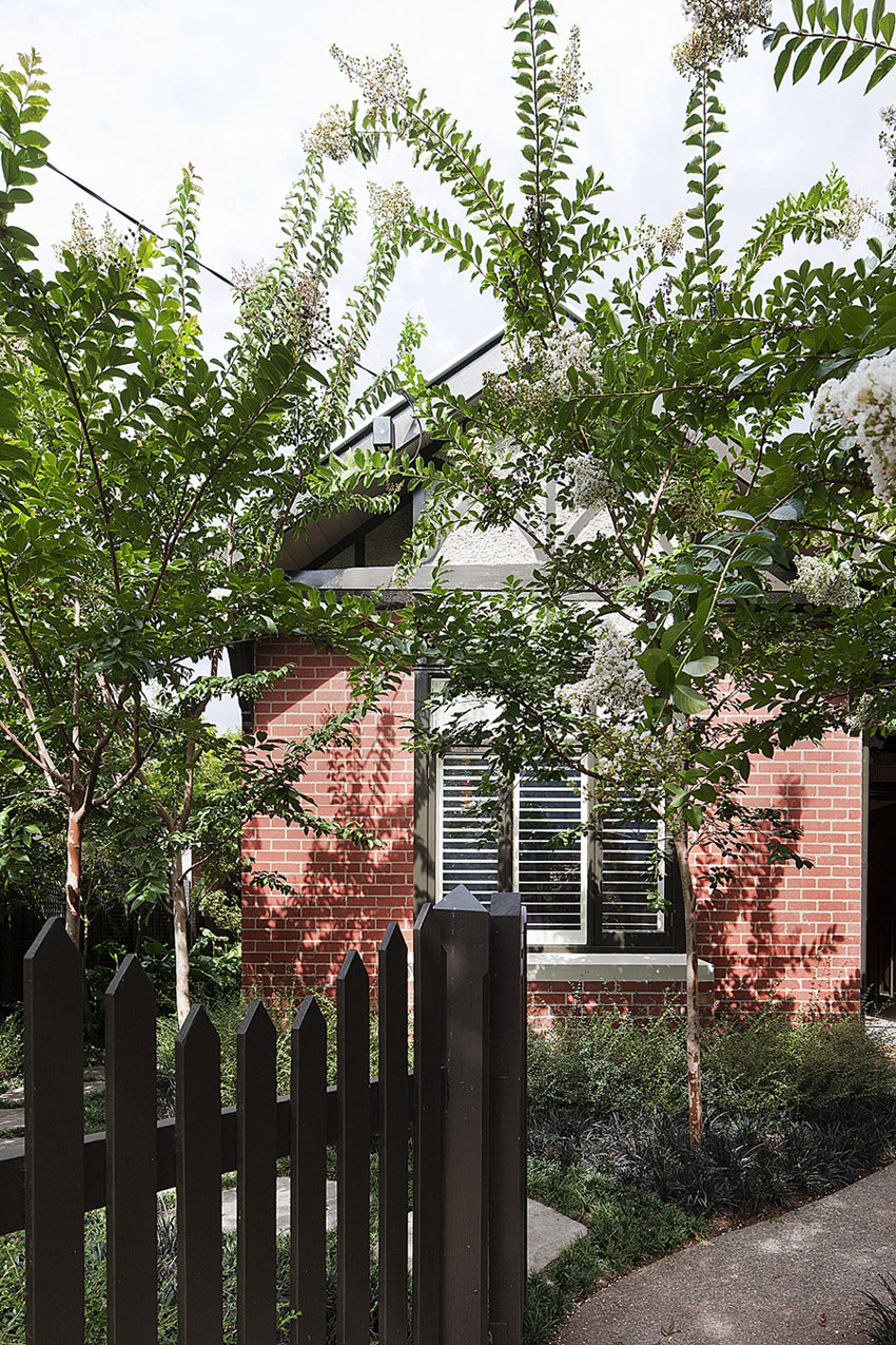Brick House by Clare Cousins Architects (1)