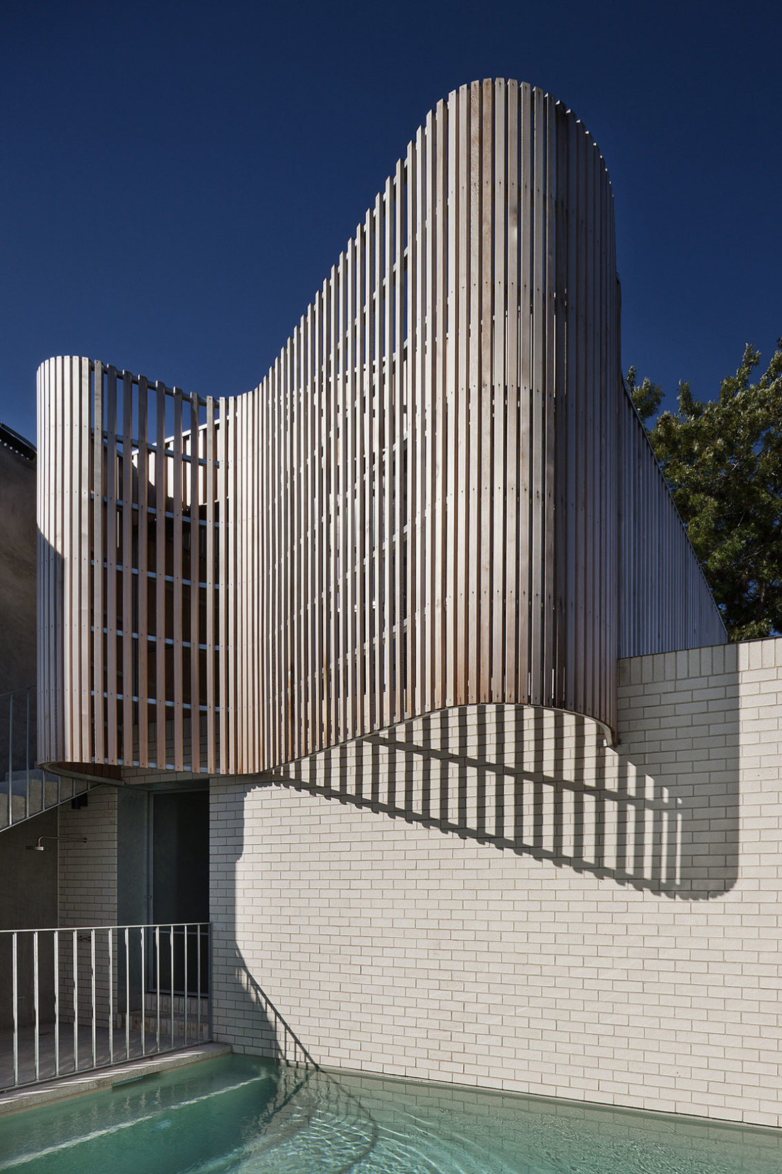 Brick House by Clare Cousins Architects (2)