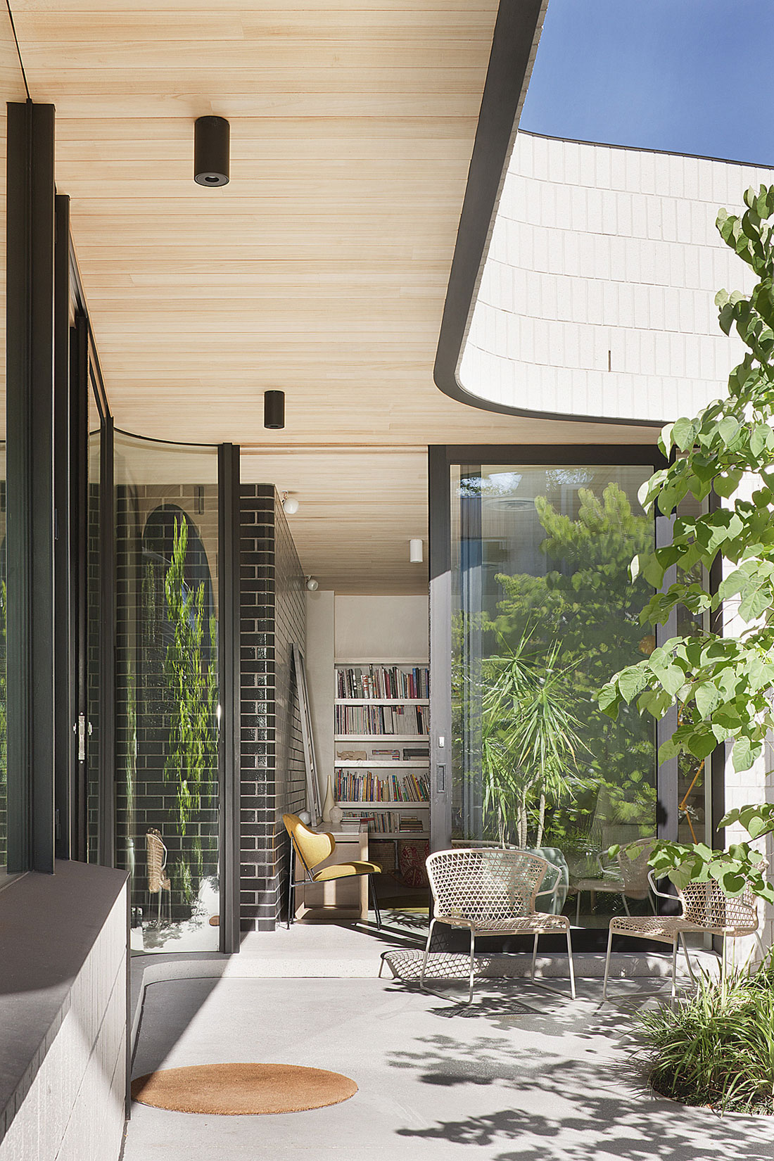 Brick House by Clare Cousins Architects (5)