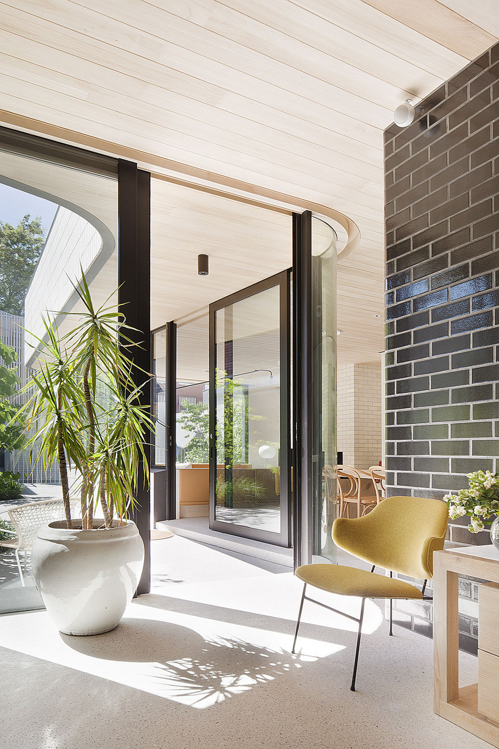 Brick House by Clare Cousins Architects (6)