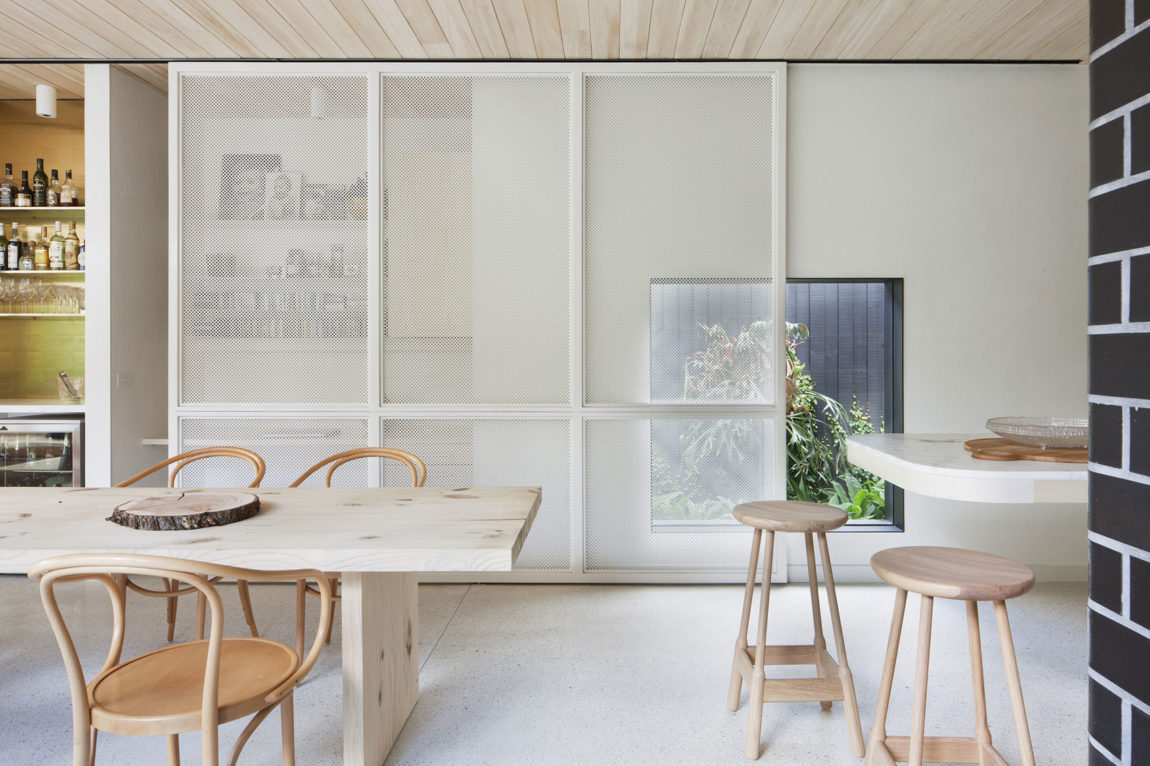 Brick House by Clare Cousins Architects (15)