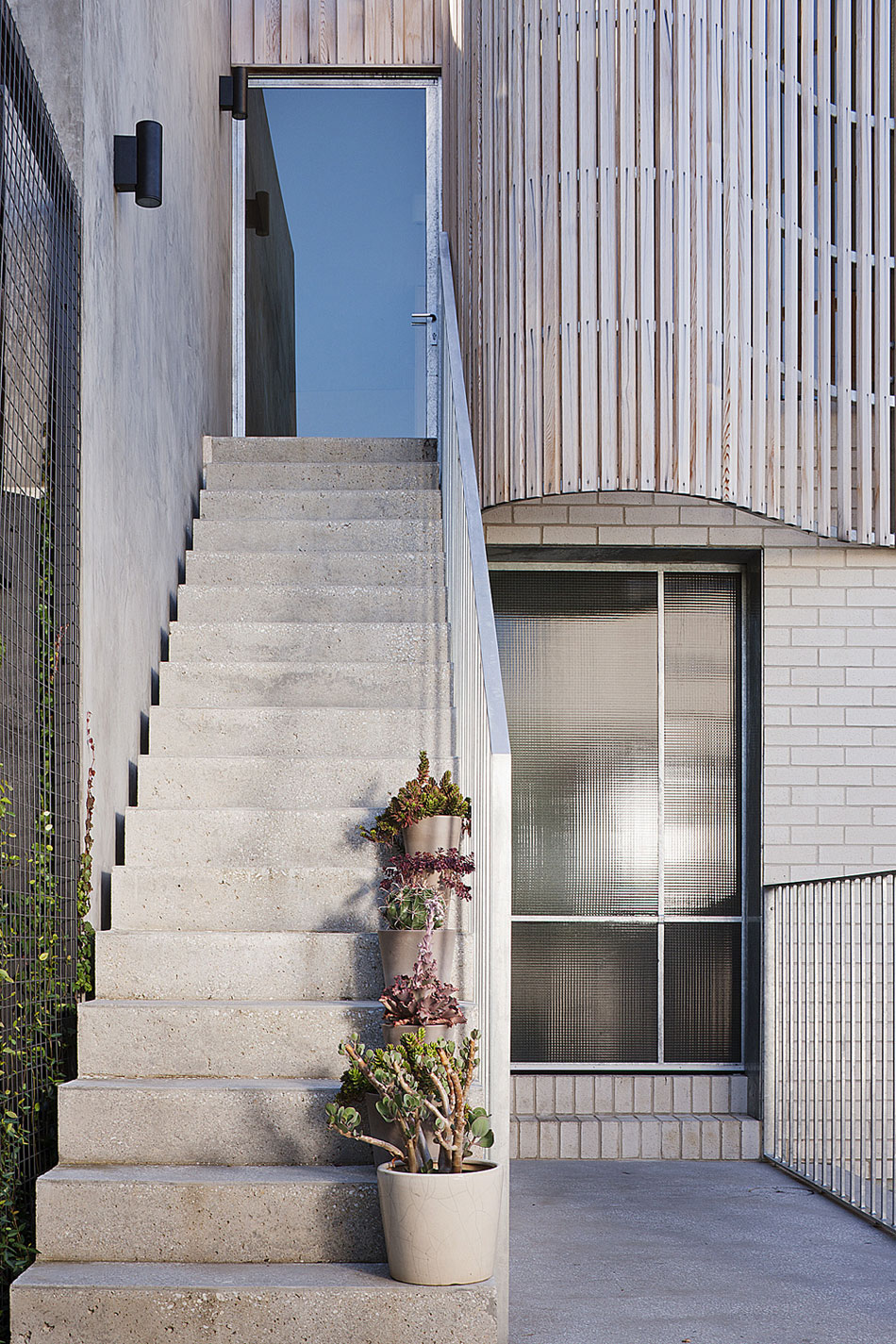 Brick House by Clare Cousins Architects (18)