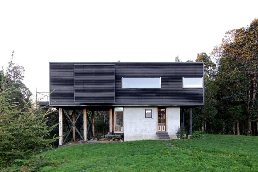 Casa Estero Puente by Aranguiz-Bunster Arquitectos (4)