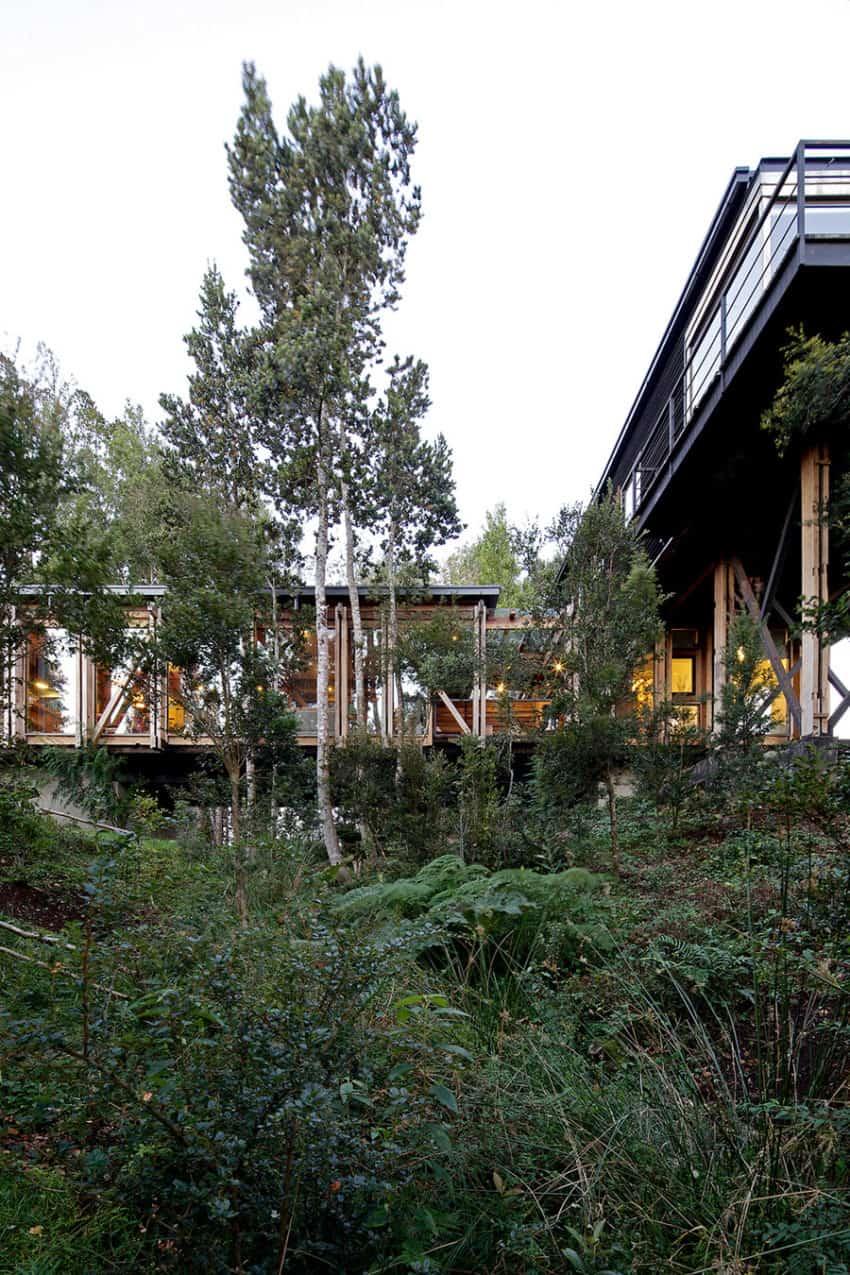 Casa Estero Puente by Aranguiz-Bunster Arquitectos (17)