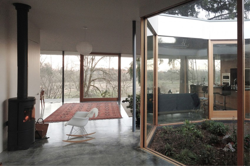 Courtyard House by NO ARCHITECTURE (7)