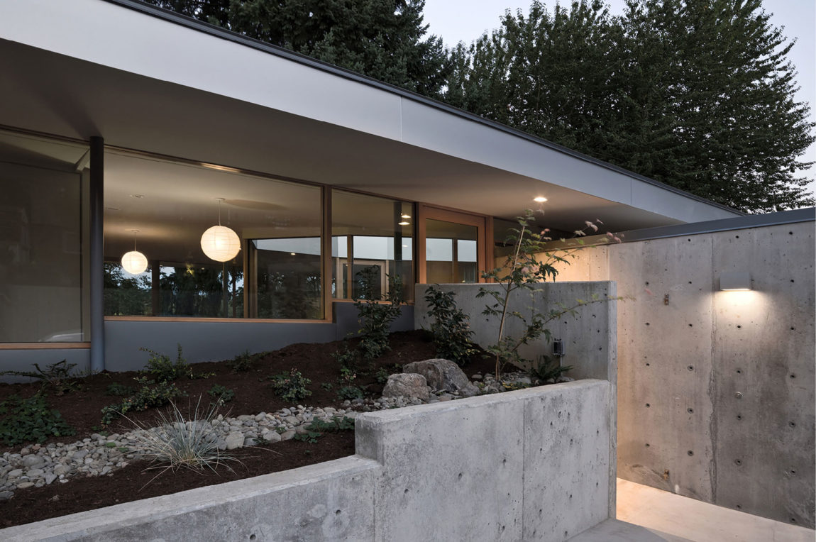 Courtyard House by NO ARCHITECTURE (10)