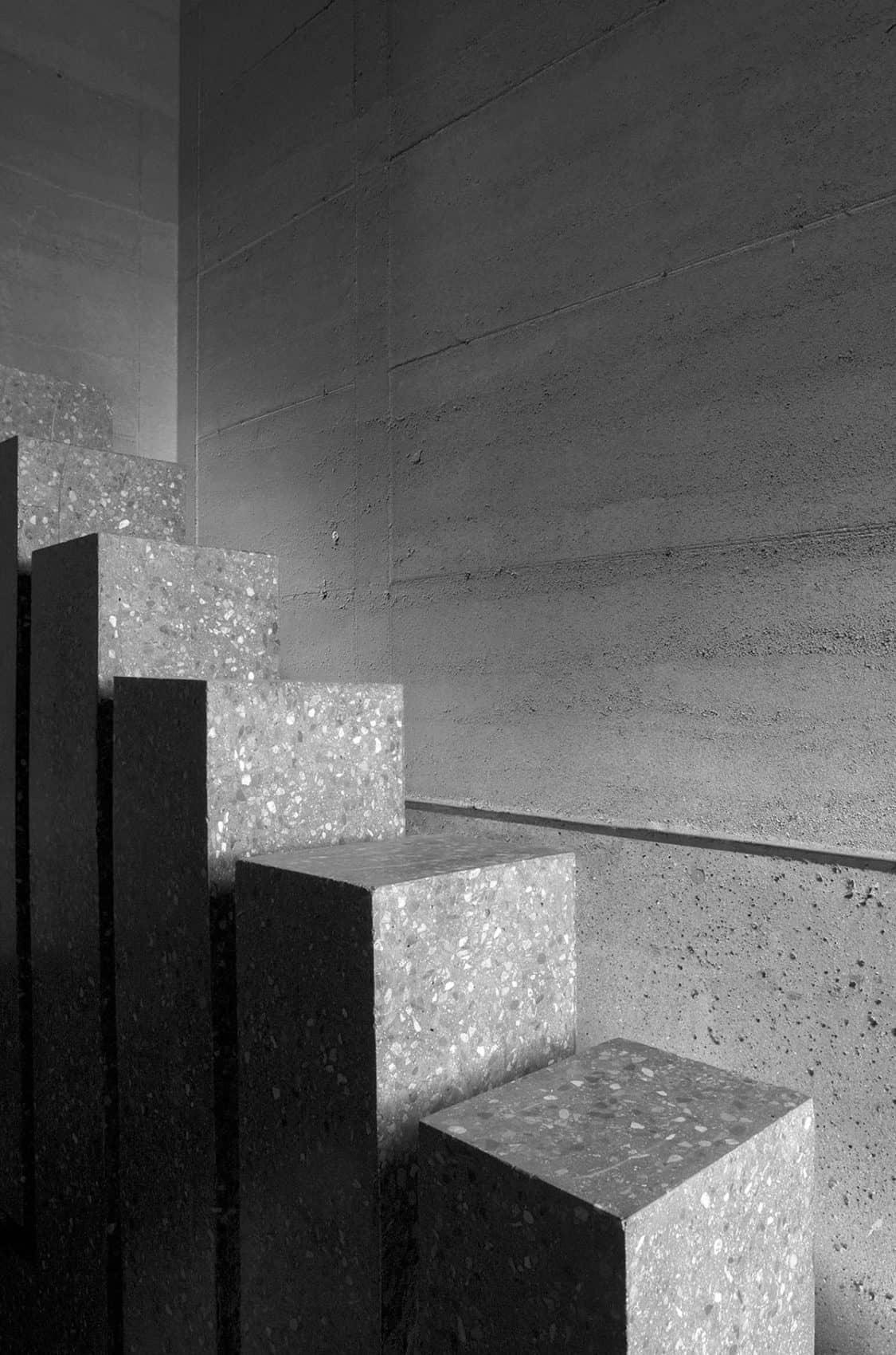 Desert Courtyard House by Wendell Burnette Architects (6)