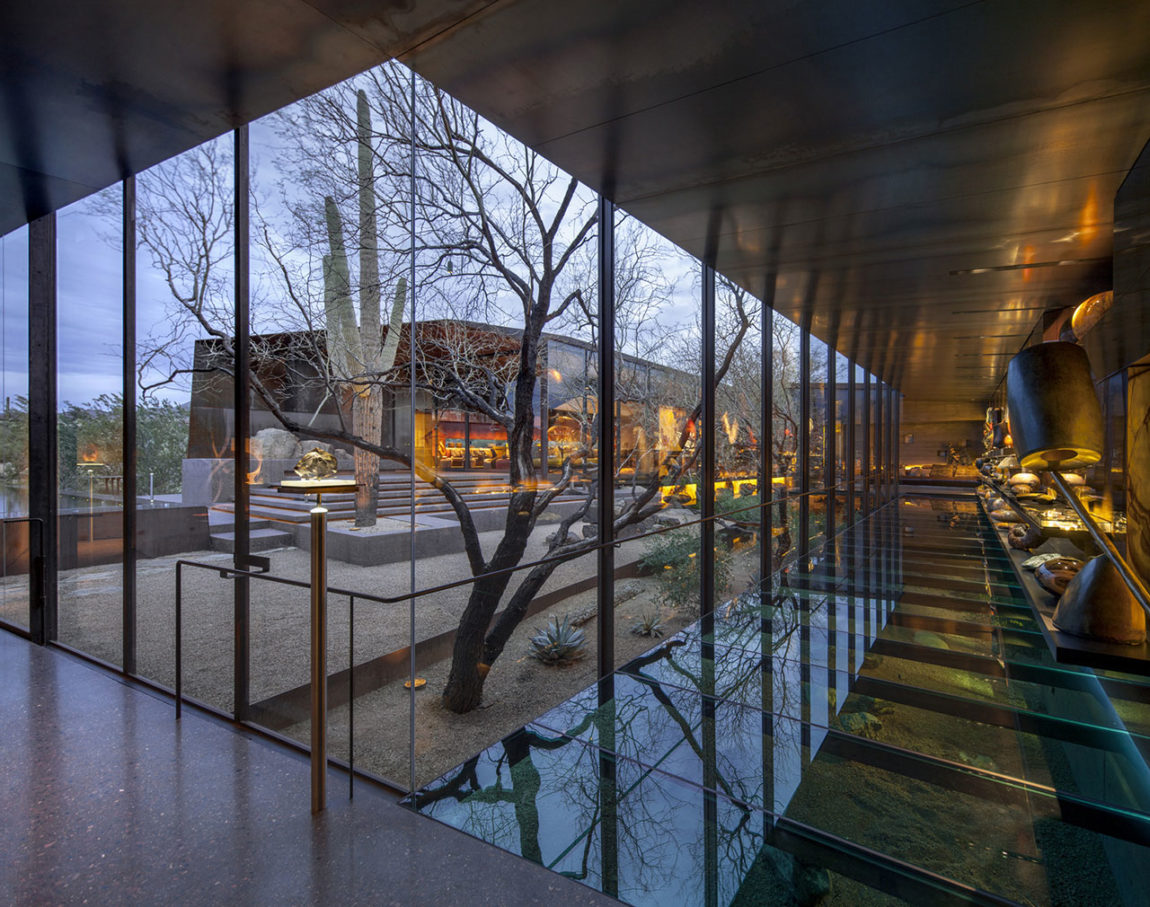Desert Courtyard House by Wendell Burnette Architects (16)