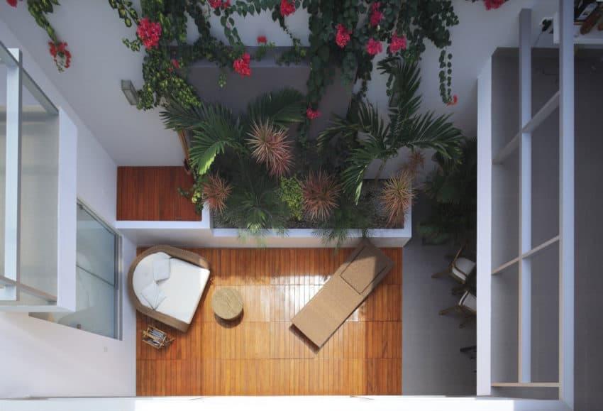 Flower House by Gómez de la Torre & Guerrero (3)