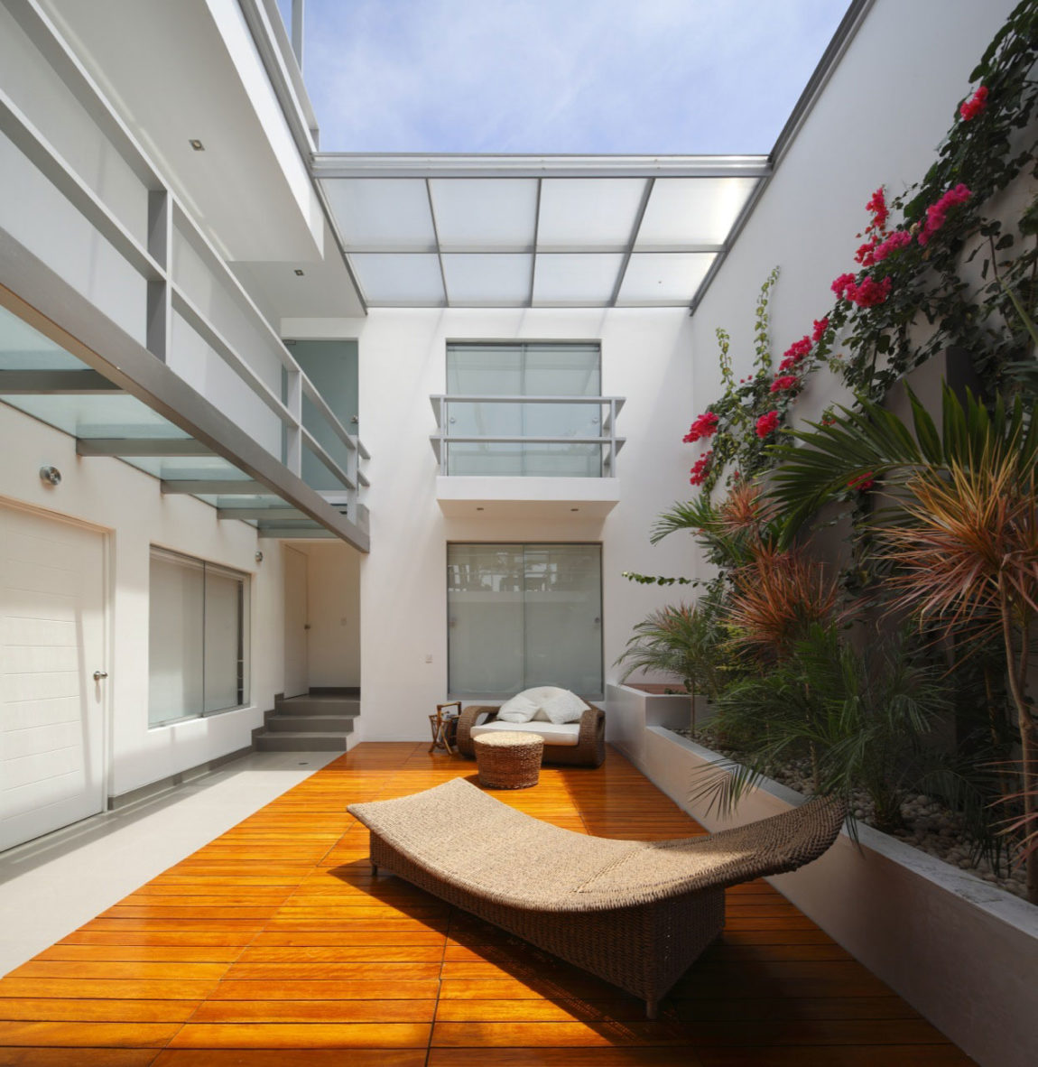 Flower House by Gómez de la Torre & Guerrero (6)