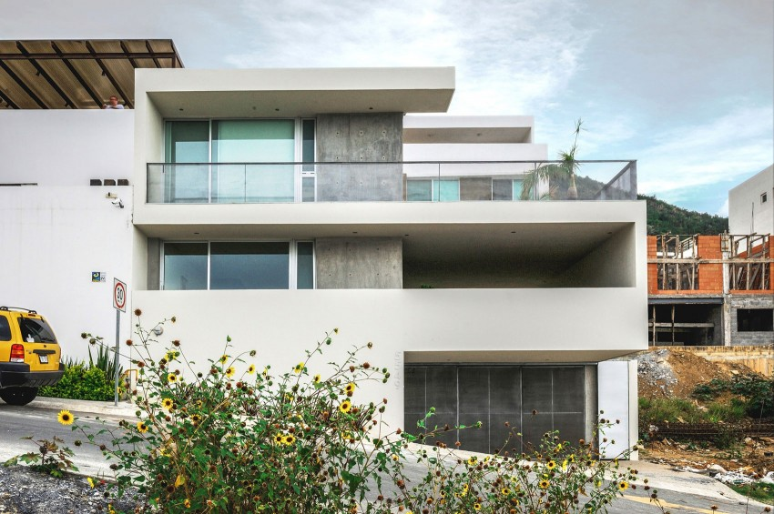 Ipe House by P+0 Arquitectura (1)