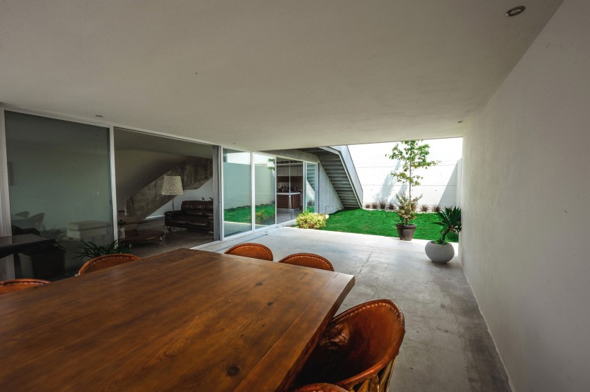 Ipe House by P+0 Arquitectura (7)