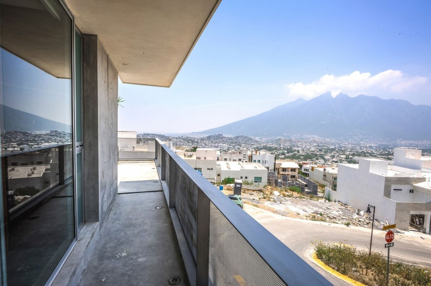 Ipe House by P+0 Arquitectura (9)