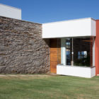 Lake House by Mutabile Arquitetura (5)